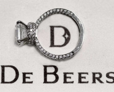 De Beers Is Using Blockchain