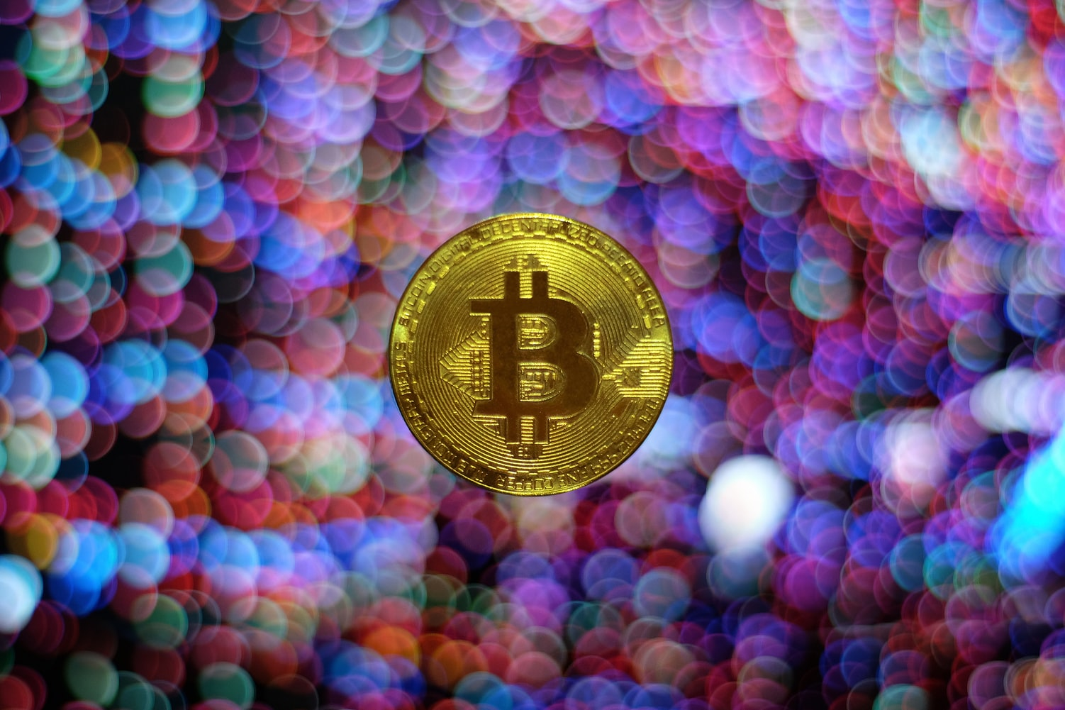 Bitcoin Is Being Pulled in Different Directions by the Coronavirus and Easy Money
